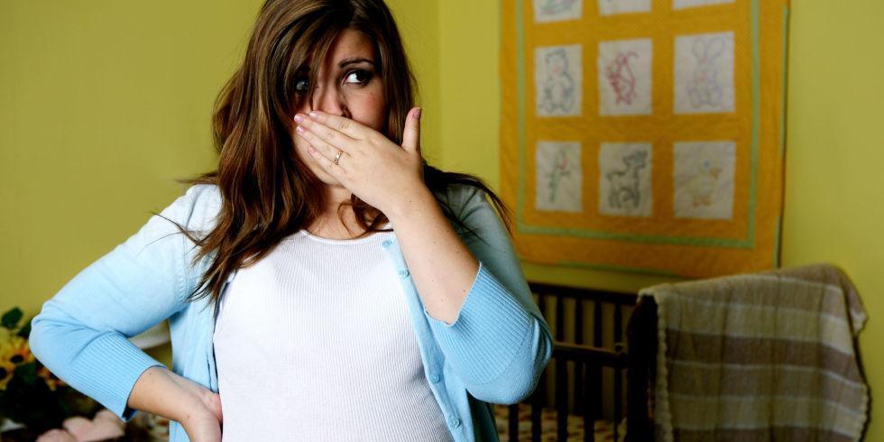 Все осложнения гиперемезиса - чем опасна рвота беременных?