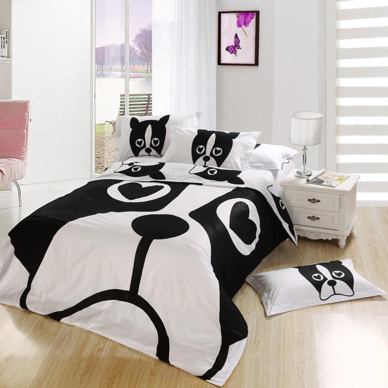 Покрывало в спальню чёрно-белое
