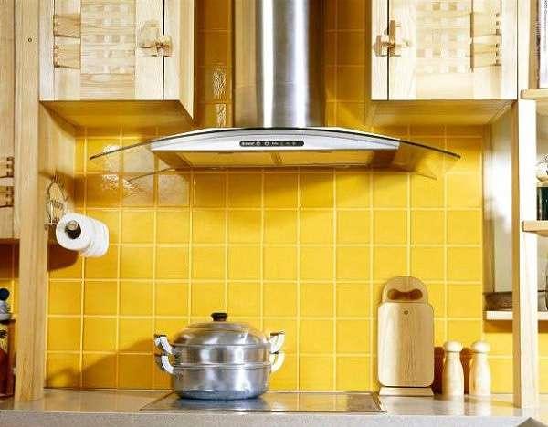 Обзор функций и форм кухонных вытяжек, их плюсов и минусов