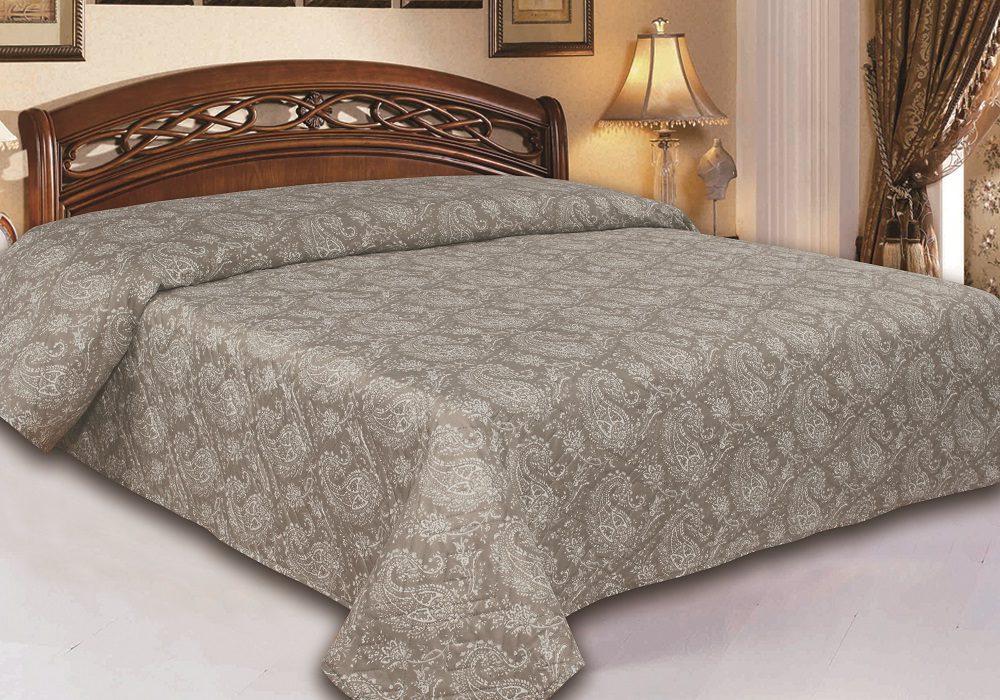 Микрофибровые покрывала для кровати в спальне