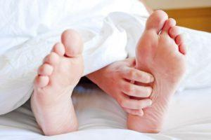 Синдром беспокойных ног, или как обрести здоровый сон и успокоить ноги ночью