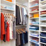15 идей, как компактно сложить вещи в шкафу — правильная организация хранения одежды