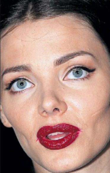 Елизавета Боярская: темная и раяся помада добавила актрисе 10-15 лет возраста
