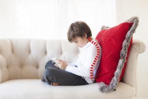 Правильная осанка у ребенка - как сохранить здоровую спину