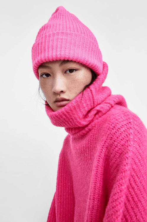 Розовая шапка из Zara