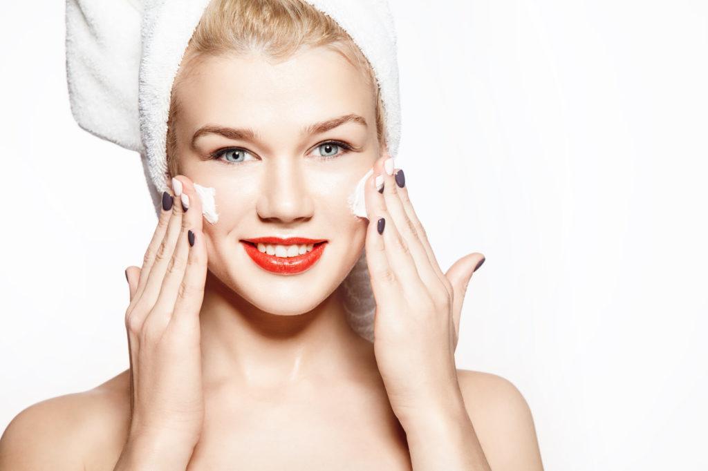 Увлажнение кожи лица в домашних условиях - лучшие средства и методы