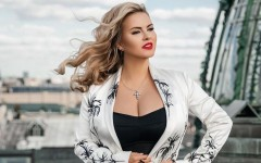 Анна Семенович примерила образ шатенки: как отреагировали поклонники звезды?