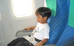 Чем занять ребенка в самолете – 8 отличных идей для перелёта с детьми
