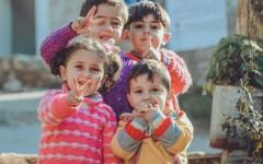 Секреты воспитания ментально здоровых и счастливых детей от мудрых учителей йоги Садхгуру и Дады Садананды