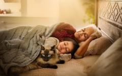 Фотограф из Британии показывает, что нет уютнее места, чем бабушкины колени