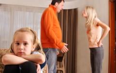 Как правильно вести себя родителям, если ребенок убегает из дома