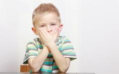 Ребёнок заикается – в чём причины и как помочь?
