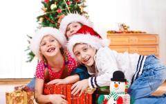 Любимые игры с детишками вокруг новогодней ёлки
