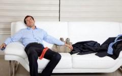 Ваш мужчина после работы хочет только отдыхать — как приучить вторую половинку помогать по дому?