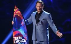 Самые эффектные наряды на Teen Choice Awards 2018