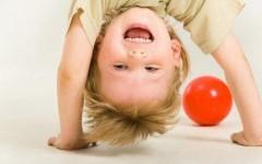Во что поиграть с детьми разного возраста дома в холода и непогоду?