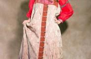 саманта в народном костюме