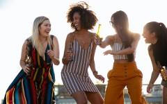 Как одеваться женщинам этим летом, чтобы выглядеть стильно и привлекательно – 5 идей от стилиста