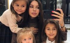 Многодетные мамы Тедди Мелленкамп и Оксана Самойлова мотивирует всех мам на поддержание своего тела и духа