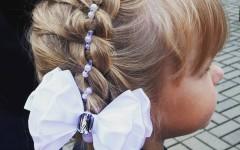 Красивые прически на 1 сентября для девочек-школьниц