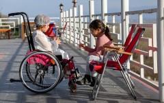 Какие права и льготы имеет при трудоустройстве мать ребёнка-инвалида: приём на работу, увольнение, условия труда