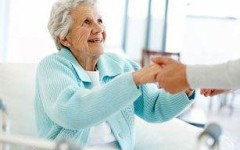 Уход за пожилыми родителями и престарелыми людьми — сиделка, интернат, частный пансионат?