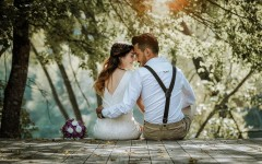 Свадьба для двоих: экономическая выгода и душевное спокойствие или неуважение к родственникам?