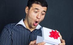 15 идей новогодних подарков любимому мужчине — что подарить мужу или молодому человеку на Новый год?