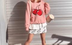 Какой современный стиль подошёл бы Фиби из сериала «Друзья»?