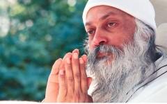 «Вы спите, крепко спите»: индийский философ Ошо о том, как включить осознанность и почему это важно