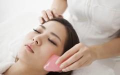 Гуа-Ша: китайский массаж лица и тела для молодости и сияния кожи