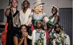 Как Мадонна воспитывает своих шестерых детей: строгое наказание за шоколад и никаких смартфонов