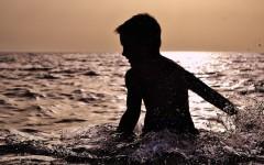 Памятка родителям, как обезопасить детей в купальный сезон: меры предосторожности, рекомендации, информация от МЧС