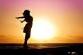 Недавнее исследование доказало, что «счастье можно купить, если покупать правильные вещи»