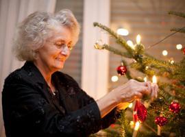 Что подарить бабушке на Новый год