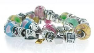 Украшения из бусин: браслеты, ожерелья - самые модные бренды 2012-2013