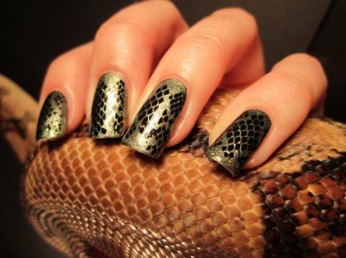 Модный маникюр 2013 года - змеиный