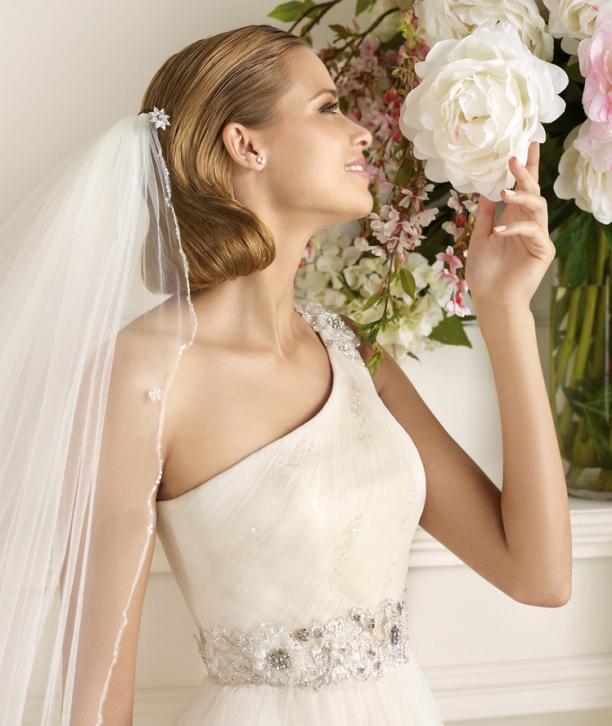 Свадебные прически 2013 года