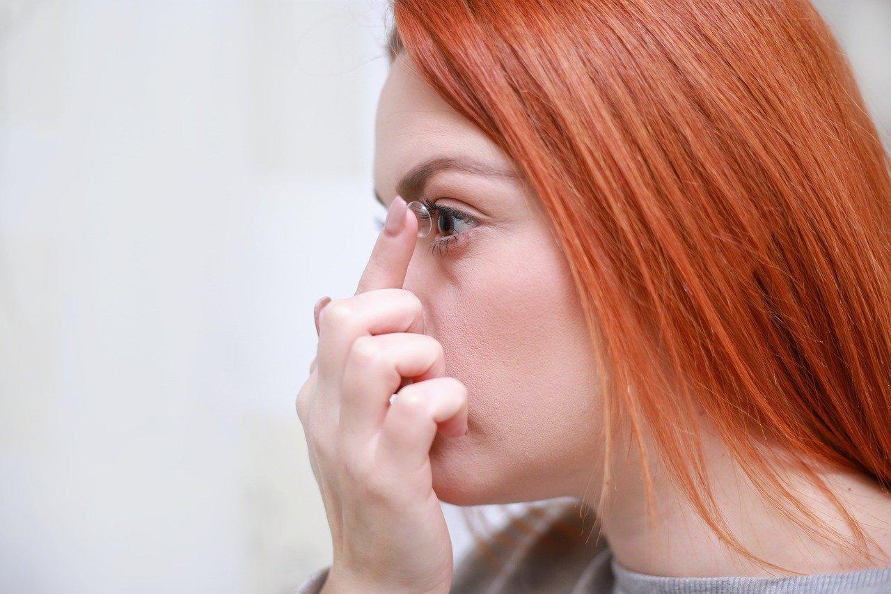 Основные правила ухода за контактными линзами. Капли и контейнеры для хранения линз