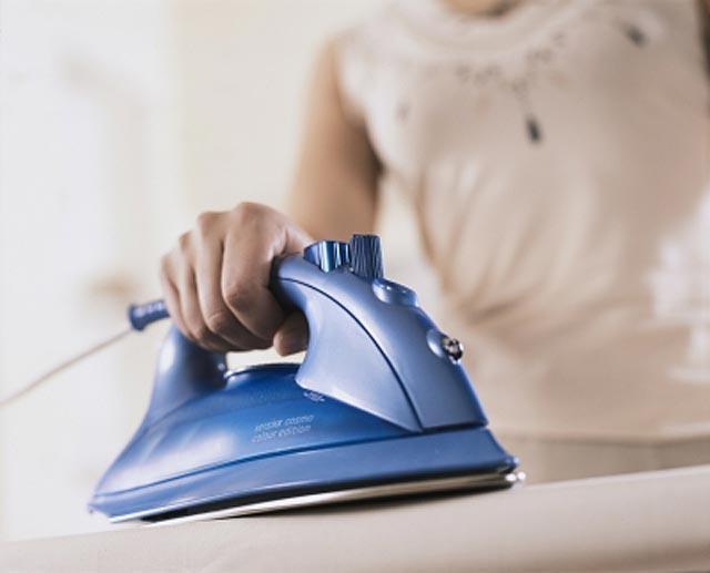 Как почистить утюг в домашних условиях от пригара