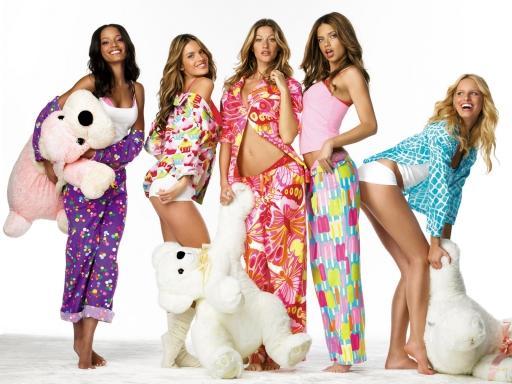 Клубный стиль одежды для девушек