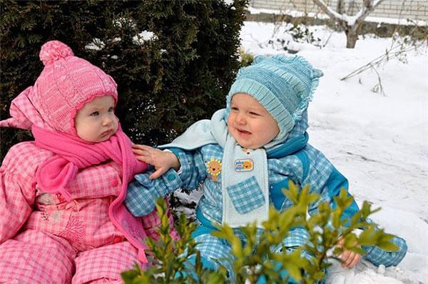 Как одевать ребенка на улицу зимой