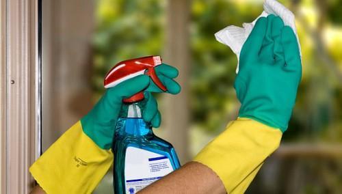 Лучшие домашние средства для мытья зеркал дома