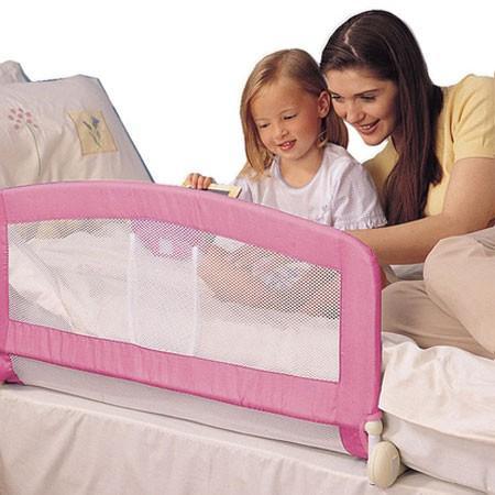 Безопасность детей дома - барьер безопасности для кровати