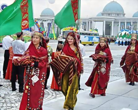 Традиции праздника 8 марта в Туркменистане