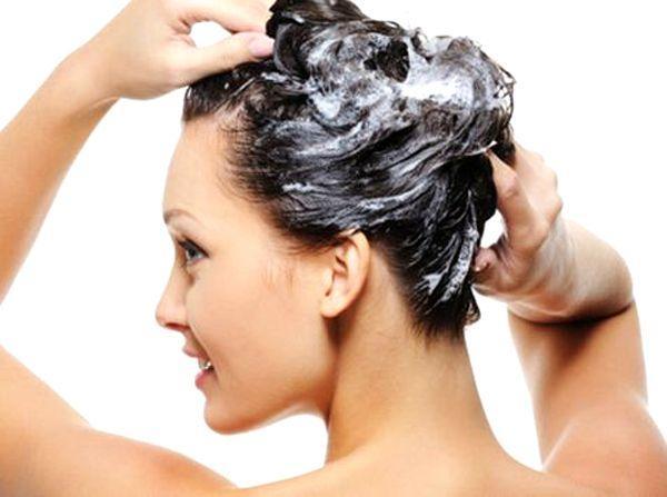 Секреты правильного ухода за жирными волосами