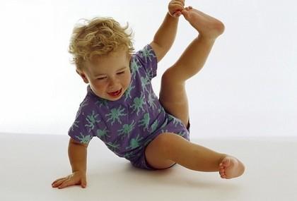 у ребенка болят ножки