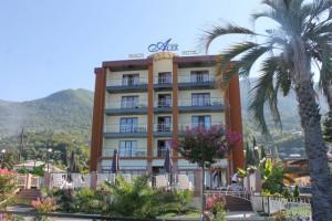 Лучшие отели в Абхазии - Alex Beach Hotel «4 звезды», Гагры