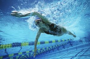 Как правильно выбирать спортивные купальники и плавки для бассейна