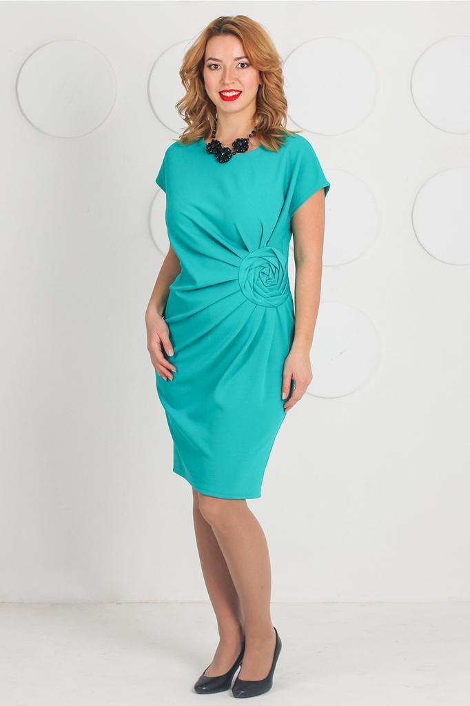 Платье футляр с декоративными складками и розой LacyWear